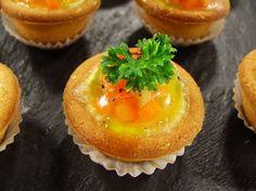 Piccole quiche al prosciutto di praga con aspic di verdure, una piccola delizia di pasticceria salata firmata Luca Montersino  http://www.alice.tv/pasticceria-salata/quiche-prosciutto-verdure