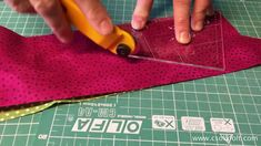 """""""Flick-Flack"""" - Twister block, Patchwork Template tutorial by Csoki-Folt Flick Flack, Patchwork Tutorial, Shorts Tutorial, Quilt Tutorials, Patches, Templates, Quilts, Crafts, Sewing Techniques"""