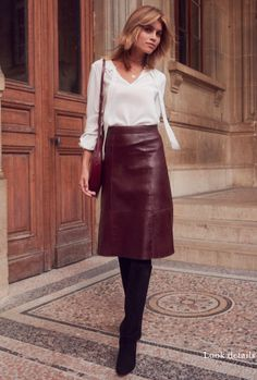 Burgundy skirt outfit, black leather skirt outfits, winter dress outfits, f Work Fashion, Trendy Fashion, Fashion Trends, Petite Fashion, Fashion Bloggers, Curvy Fashion, Style Fashion, Fashion Women, Fashion Outfits