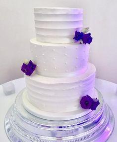 Rustic Buttercream and fresh flower wedding cake