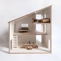 Schlichte und moderne Puppenhaus ideal für kleine Hände. 3 Stockwerke mit Skala zu spielen mit Playmobil, Sylvanian oder andere Zeichen, deren Größe