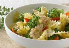Bow Tie Pasta with Chicken -- a perfect Mrs. Dash recipe - mrsdash.com #saltsubstitute #nosalt #pasta