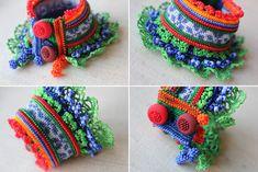 Bracelet de perles colorée ! Nous avons utilisé broderie, crochet, fleurs et décorations de perles au crochet bleu bleuet, bleu indigo, chaux, couleurs verts kelly, orange et rouges.  Nous avons utilisé du coton crocheté base lumière bleus indigo bleus et orange fibres. Nous ajouté brins de perles de verre coloré, perles des détails de la fleur en irange, rouge vif, bleu bleuet, bleu indigo, vert gazon, tons vert, kelly vert de chaux. La partie centrale du bracelet est brodée avec la fibre…