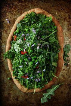 Green Goddess Pizza- Vegan and Gluten Free from HeatherChristo.com - OMG!!!