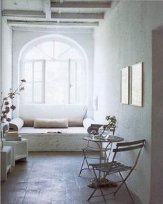 I like very much spaces for reading e looking forward near windows, such as little sofas or dormeuses, similar to bow-windows and to use iron white chairs for outdoor indoor.