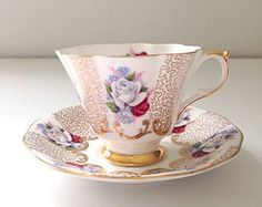 Vintage Queen Anne English Scalloped Shape Tea Cup & Saucer Fine Bone China