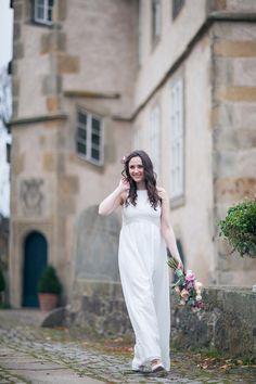 Hochzeit, Inspiration am Schloss von Hammerstein, von Lichterstaub-Fotografie. In Zusammenarbeit mit @Sonja Klein Hochzeitsfloristik, @Frieda Therés, @mundus Hannover, @KLICKGEMACHT