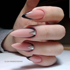 There are three kinds of fake nails which all come from the family of plastics. Acrylic nails are a liquid and powder mix. They are mixed in front of you and then they are brushed onto your nails and shaped. These nails are air dried. Almond Acrylic Nails, Best Acrylic Nails, Acrylic Nail Designs, Dark Nail Designs, Perfect Nails, Gorgeous Nails, Pretty Nails, Nude Nails, Nail Manicure