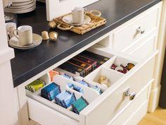 Deulonder Arquitectura Domèstica Kitchen #11 via www.elmueble.com