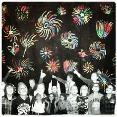 Gelukkig Nieuwjaar door groep 8 Diy For Kids, Crafts For Kids, Fireworks Craft, New Year Art, Christmas Arts And Crafts, Winter Art Projects, New Year's Crafts, Bonfire Night, Advent
