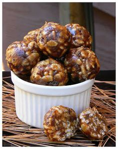 Wow it's really delicious these little bites and I'm sure that they will disappear very quickly. This is one of the 2 desserts that I've made … Source by Healthy Snacks, Healthy Recipes, Ww Recipes, Healthy Baking, Camping Breakfast, Camping Meals, Camping Desserts, Camping Recipes, Camping Tips
