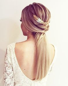 Wedding Invited Hairstyle I Top 18 Simple and Chic Wedding Hairstyles to Adopt - Morgane Lr' - - Coiffure mariage invitée I Top 18 coiffures mariage simple et chic à adopter свадебные прически - Chic Hairstyles, Bride Hairstyles, Prom Ponytail Hairstyles, Wedding Hair And Makeup, Hair Makeup, Bridesmaid Hair Updo, Simple Bridesmaid Hair, Wedding Guest Hairstyles, Straight Wedding Hairstyles