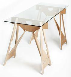 Tyylikkään kepeä pukkipöytä viehättää. Sulavalinjainen pöytä sopii niin keittiön keskipisteeksi kuin työpöydäksi toimistoon.  #habitare2016 #design #sisustus #messut #helsinki #messukeskus