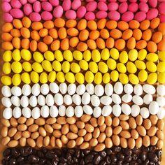 > Jou Dazzles! geniet momentje <   Vier samen met Dazzles! Kom-Uit-De-Kast-Dag.  Dazzles! maakt geen onderscheid! Dazzles! discrimineert niet! Dazzles! houdt van iedereen! Love Dazzles!   #Dazzles #Chocolate #Chocolade #Dazzle #Nodiscrimination #Purechocolate #Feelgoodfood #KomUitDeKastDag #DazzlesLove #Comingoutday #regenboogvlag #internationalcomingoutday #rainbow #rainbowflag #gelijkheid #lhtb #lgtb #rainbowcolors #gay #gayrights #homo #lesbian #bi #transgender #gayisok