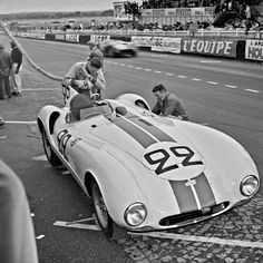 Le Mans 1955 ♦ LM 1955 - Cunningham co-driven by Cunningham-Johnston, refueling. Road Race Car, Road Racing, Race Cars, F1 Racing, Le Mans, Maserati, Ferrari, Jaguar Type, Race Engines