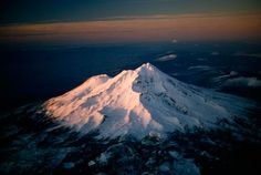 See all ten of America's most dangerous volcanoes, ranked by government experts. Crater Lake National Park, National Parks, Volcano Pictures, Ecology Center, Northern California, Volcano California, Mount Shasta, Active Volcano, World Pictures