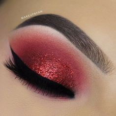 makeup aesthetic makeup trends 2020 are raccoon eye makeup makeup sims 4 makeup tips makeup for small eyes makeup everyday makeup inspiration Red Eye Makeup, Makeup Eye Looks, Glitter Eye Makeup, Cute Makeup, Smokey Eye Makeup, Eyeshadow Looks, Beauty Makeup, Red Smokey Eye, Makeup Eyeshadow