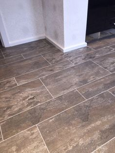 Polyflor Camaro Ocean Slate, full size/half size tiles with an Ice Grout Strip Camaro Flooring, Alternative Flooring, Luxury Vinyl Tile Flooring, Slate, Kitchen Remodel, Tiles, New Homes, Extension Ideas, Grout