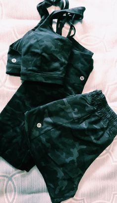 Pinterest: carolinefaith417★ Athletic Outfits, Athletic Wear, Athletic Clothes, Sporty Clothes, Workout Attire, Workout Wear, Workout Outfits, Fitness Fashion, Fitness Outfits