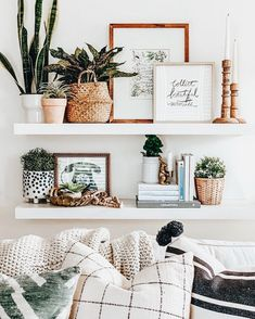 Explore farmhouse style shelf decor ideas for your bedroom, living room, and kitchen walls. Learn what to use and how to arrange shelf decor pieces. Boho Living Room, Home And Living, Living Room Shelf Decor, Living Room Decorating Ideas, Home Decorating, Decor Room, Kitchen Shelf Decor, Modern Living, Wall Shelf Decor