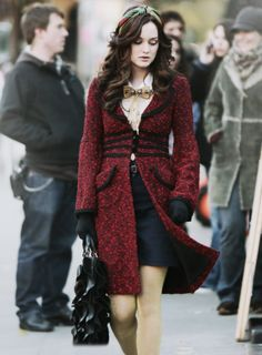 blair waldorf fashion and style red coat bella king advice Gossip Girl has been over for years and somehow people still talk about it. Gossip Girl Blair, Gossip Girls, Estilo Gossip Girl, Blair Waldorf Gossip Girl, Gossip Girl Outfits, Gossip Girl Fashion, Fashion Tv, Womens Fashion, Gossip Girl Style