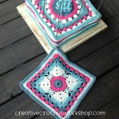 This Dragonfly Granny Square is the 15th Afghan Block in the Crochet A Block Afghan 2017 Crochet Along! Free crochet pattern.