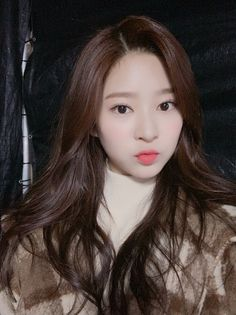 Our goal is to keep old friends, ex-classmates, neighbors and colleagues in touch. Cute Korean Girl, Korean Girl Groups, Yuri, Best Kpop, Japanese Girl Group, Bae Suzy, Kim Min, The Wiz, Ulzzang Girl