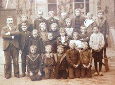 Klassenfoto uit 1900 met 3 van m'n grootouders erop