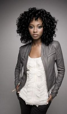 medium hairstyle for African American women http://www.griphop.com/