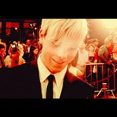 Love this pic heck I love every pic of Riker
