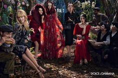 tezturas - Dolce & Gabanna Winter 2015  Dress, Claudia Shiffer, Medieval, Acessórios