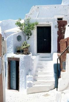 Santorini island, Cyclades, Greece. - Selected by www.oiamansion.com