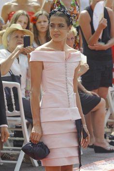 Lindo vestido, color perfecto.