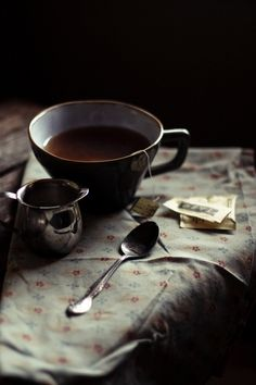 rusticmeetsvintage:  чай & великолепный настольный Ханна * мед & jam, через Flickr