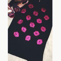 "LAST CALL: ""Xs and Os"" glitter lip piko dress. #bemine #valentinesday #shop #datenight #pink"