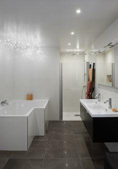 Kylpyhuoneen ja saunan LED-valaistusideat | Kuvia ja vinkkejä Corner Bathtub, Led, Bathroom, Washroom, Full Bath, Bath, Bathrooms, Corner Tub