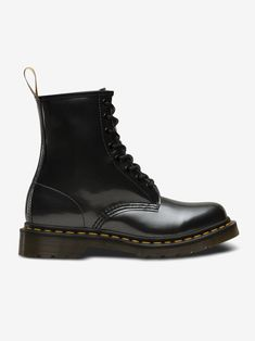 Step Into Fall With Style In These 10 Ethically-Made Vegan Boots Dr Martin Boots, Ethical Shoes, Vegan Boots, Vegan Clothing, Fashion Labels, Ethical Fashion, Neue Trends, Fashion Boots, Combat Boots