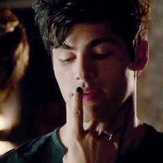 Alec and Magnus, Shadowhunters.