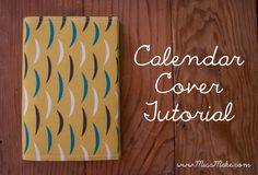 Here's a great way to make those boring pocket calendars look chic and stylish. Try covering it with your fabric fabric using this calendar cover tutorial. Sewing Hacks, Sewing Tutorials, Sewing Crafts, Sewing Ideas, Sewing Diy, Sewing Basics, Pocket Calendar, Diy Calendar, Diy Craft Projects