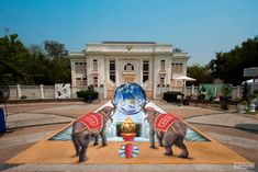 Chiang May Fest - Thailand cuboliquido  http://www.cuboliquido.com/3d-street-painting-gallery/thay-elephant-3d-chalk-art