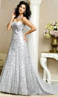 Sample Maggie Sottero Wedding Dress J1148HC Jasmina, Size 12  | Get a designer gown for (much!) less on PreOwnedWeddingDresses.com