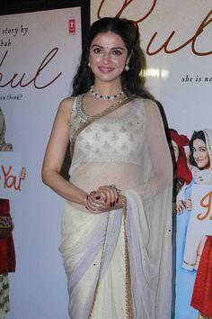 Indian Girl Divya Khosla Kumar In White Saree