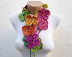Ganchillo hecho a mano Lariat bufanda naranja verde amarillo azul rosado Flor Lariat la bufanda colorida moda de invierno abigarrado collar largo