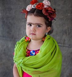 Disfraz de Frida Kalho totally cute but my child might hate me for it!!!