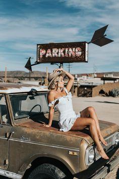environmental pollutionI love car photo shoots(no title) Cara Jourdan Palm Springs, Trucks And Girls, Car Girls, Pin Up Girl, Les Scouts, Ideas Para Photoshoot, Models Men, Car Poses, Desert Road
