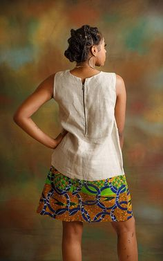 Robe longueur genou simple. Fermeture à glissière Short African Dresses, African Blouses, African Print Dresses, African Print Fashion, African Fashion Dresses, Ghana Fashion, Africa Fashion, Ethnic Fashion, Look Fashion
