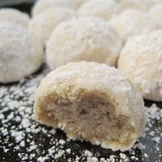 Mexican Wedding Cookies | Delicious nutty cookies that are rolled in powdered sugar. These are perfect for any special occasion.