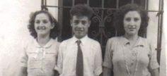 """""""Mi tío Diego y sus dos primas ,Clara a la izquierda y Teresa a la derecha. Alpandeire (Málaga), 1951""""."""