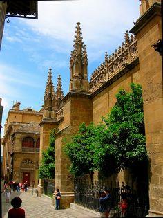 Granada. Calle Oficios, junto a la catedral. (vía panoramio)