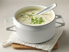 Talvinen broilerikeitto | Valio Cheeseburger Chowder, Soup Recipes, Curry, Cooking, Food, Soups, Ideas, Cuisine, Curries